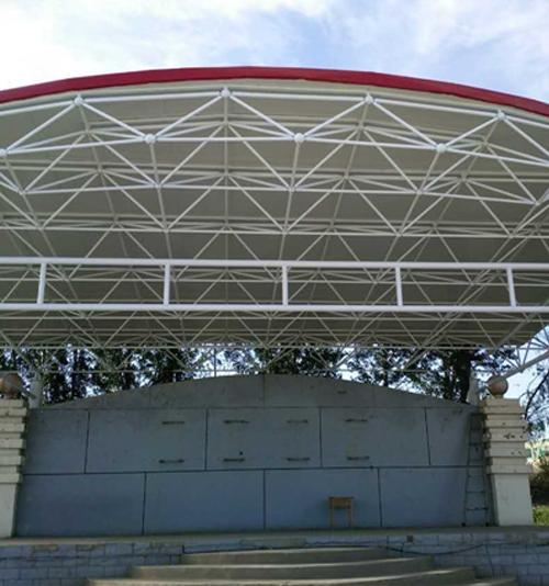 钢结构彩钢瓦车棚